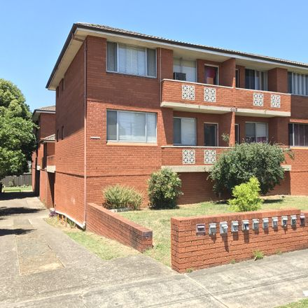 Rent this 1 bed apartment on 10/1 The Crescent