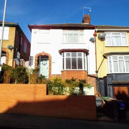 Rent this 4 bed house on Farley Hill in Luton LU1 5NR, United Kingdom