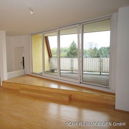 Rent this 4 bed loft on S Lichterfelde West in Hans-Sachs-Straße 4c, 12205 Berlin