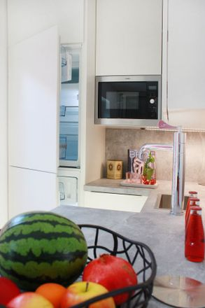 Rent this 1 bed apartment on Bolongarostraße 151 in 65929 Frankfurt, Germany