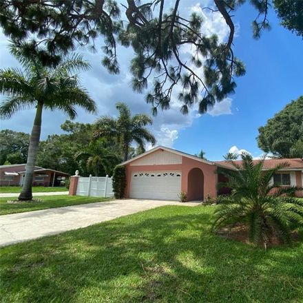 Rent this 3 bed house on 39th Ave N in Saint Petersburg, FL