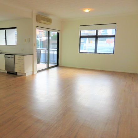 Rent this 2 bed apartment on 5/3 Heaslop Street