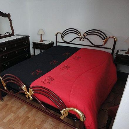 Rent this 1 bed room on R. da Costa in 2825-450 Costa da Caparica, Portugal
