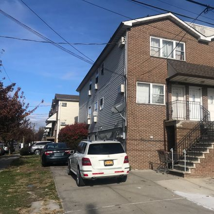 Rent this 8 bed townhouse on 1903 Arnow Avenue in New York, NY 10469