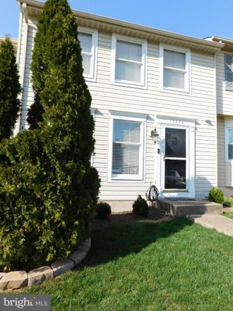 Rent this 3 bed townhouse on 13228 Custom House Court in Chantilly, VA 22033