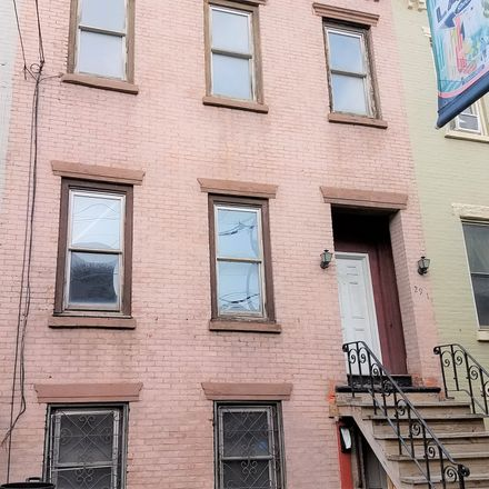 Rent this 3 bed townhouse on 291 Lark Street in Albany, NY 12210