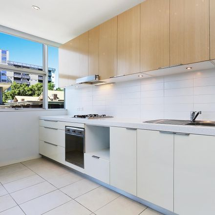 Rent this 1 bed apartment on 89/4 Alexandra Drive
