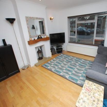 Rent this 4 bed house on 65 Oldhill in Dunstable LU6 3ER, United Kingdom