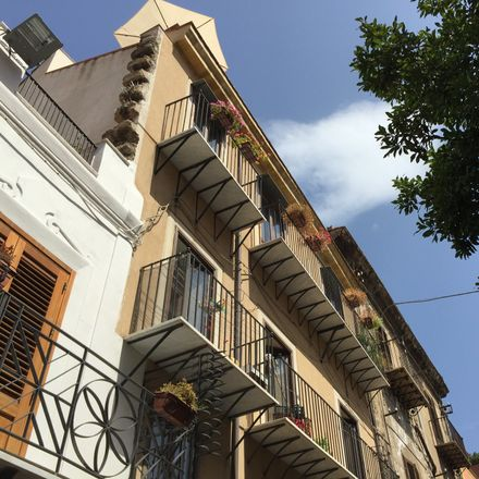 Rent this 3 bed apartment on Via Porta di Castro in 73, 90134 Palermo PA