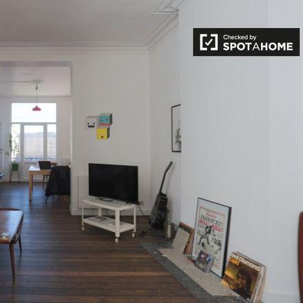 Rent this 1 bed apartment on Rue Sans Souci - Sans Soucistraat 105 in 1050 Ixelles - Elsene, Belgium