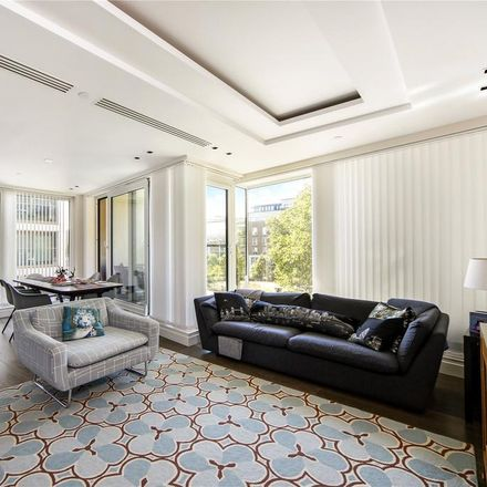 Rent this 3 bed apartment on Charles House in Kensington High Street, London W14 8QA