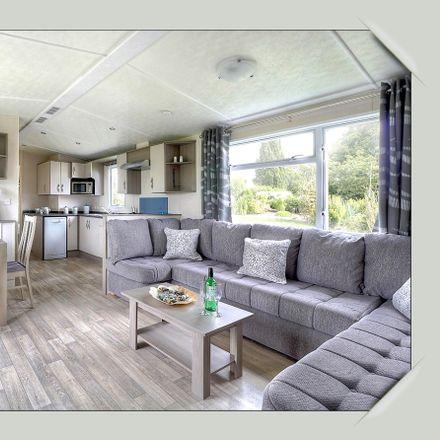 Rent this 4 bed house on Le Domaine de Dugny in La Cabinette, Route de Chambon