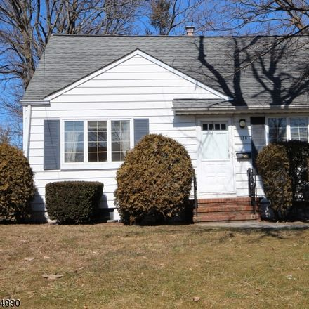 Rent this 3 bed house on Robert Pl in South Plainfield, NJ