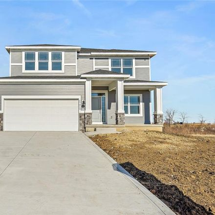 Rent this 4 bed house on Hickory Drive in Urbandale, IA 50323