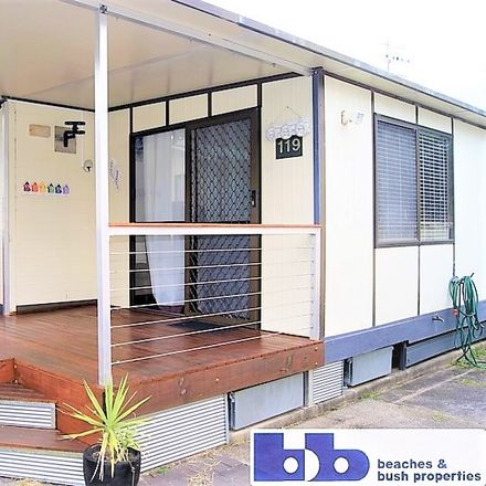 Rent this 2 bed townhouse on Sunshine Bay