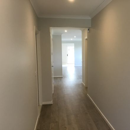 Rent this 4 bed house on 12 Heritage Boulevard