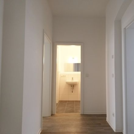 Rent this 3 bed apartment on Büschdorfer Straße 1 in 06112 Halle (Saale), Germany