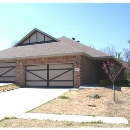 Rent this 3 bed duplex on 195 South Pinyon Point in Fayetteville, AR 72701