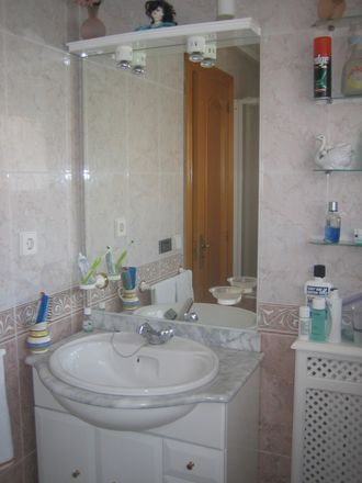 Rent this 1 bed room on Calle de los Descalzos in 33, 31001 Pamplona