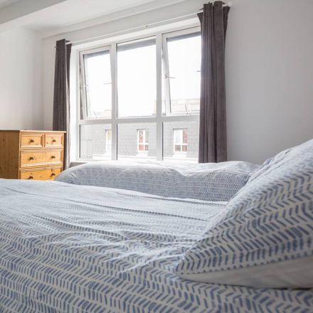 Rent this 3 bed room on 39 Amiens St in Northside, Dublin