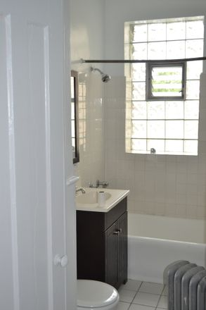 Rent this 1 bed townhouse on 5457 South Everett Avenue in Chicago, IL 60615