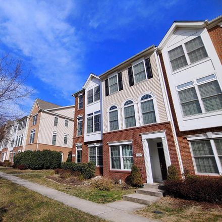 Rent this 3 bed townhouse on 25121 Neptune Ter in Chantilly, VA