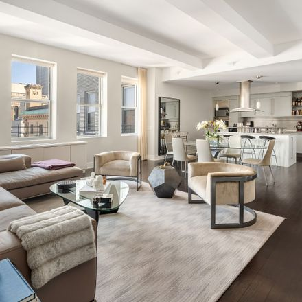 Rent this 3 bed loft on Tower 270 in 270 Broadway, New York