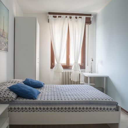 Rent this 5 bed room on Via Valsesia in 20152 Milan Milan, Italy