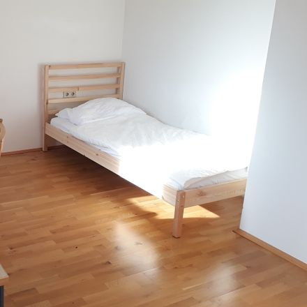 Rent this 3 bed room on Dreierschützengasse 32 in 8020 Graz, Austria