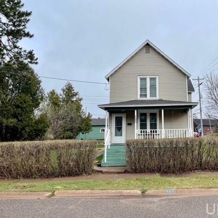 Rent this 3 bed house on Ishpeming