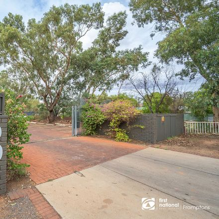 Rent this 1 bed apartment on 3 Larapinta Drive