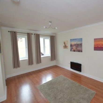 Rent this 1 bed apartment on Lindisfarne Court in Windsor Close, Chesterfield S40 3SF