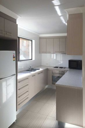Rent this 2 bed apartment on 2/66 Mitre Street