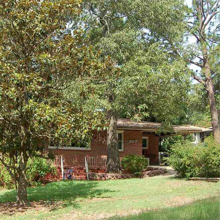 Rent this 3 bed house on 207 Virginia Avenue in Warner Robins, GA 31088