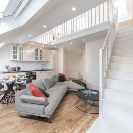 Rent this 2 bed apartment on Rue Antoine Dansaert - Antoine Dansaertstraat 69 in 1000 City of Brussels, Belgium