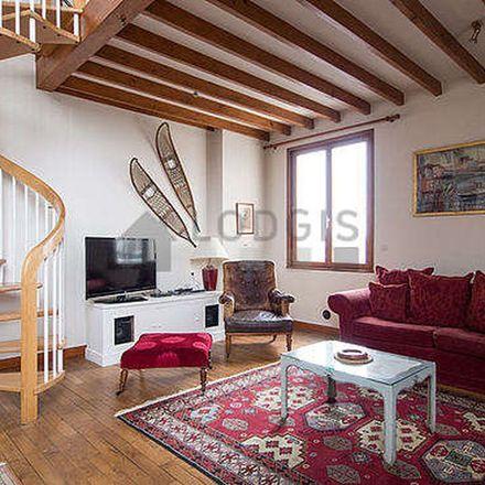 Rent this 3 bed apartment on 37 Rue Saint-André des Arts in 75006 Paris, France