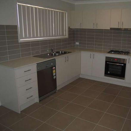 Rent this 3 bed apartment on 1/10 Mistral Crescent