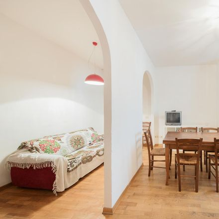 Rent this 6 bed room on Via Sant'Egidio in 10, 50121 Florence Florence