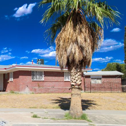 Rent this 3 bed apartment on 3528 Dundee Street in El Paso, TX 79925