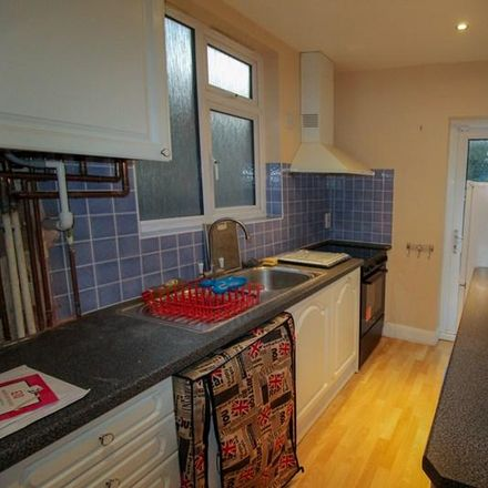 Rent this 4 bed house on 79 Sherrards Way in London EN5 2BW, United Kingdom