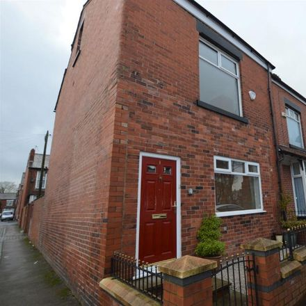 Rent this 2 bed house on Kishies Beverley Wines in Harrow Road, Bolton BL1 4DU