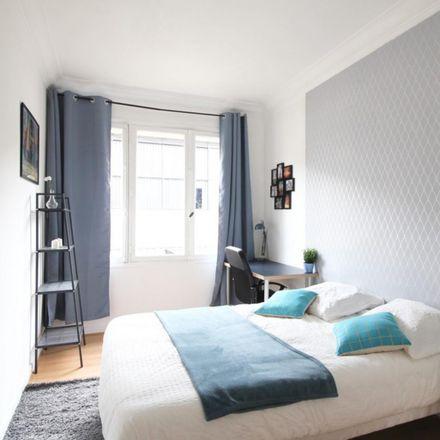 Rent this 3 bed room on 130 Rue de la Croix Nivert in 75015 Paris, France