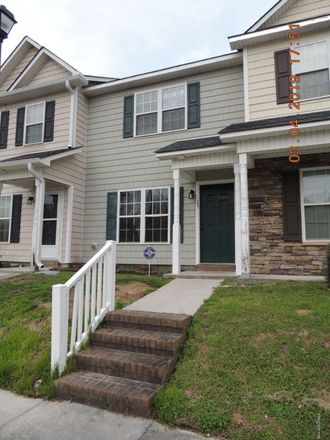 Rent this 2 bed townhouse on 27 Doris Avenue in Jacksonville, NC 28540