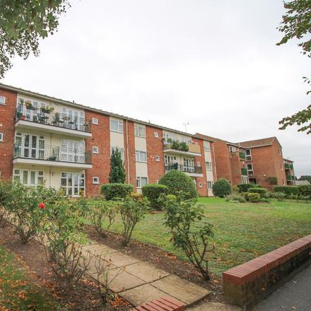 Rent this 2 bed apartment on White Lion in High Street, West Suffolk CB8 9AP