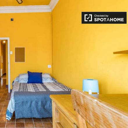 Rent this 5 bed apartment on Apto. Vintage in Carrer de Sant Josep de Calassanç, 7