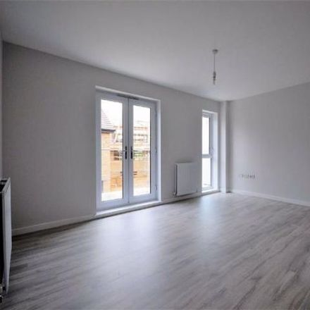 Rent this 2 bed house on Hythe Crescent in Ashford TN23 1DU, United Kingdom