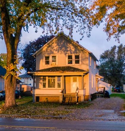 Rent this 0 bed duplex on 1322 South Broadway in Green Bay, WI 54304