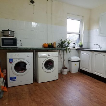 Rent this 5 bed house on Glanbrydan Avenue in Swansea SA2 0HR, United Kingdom
