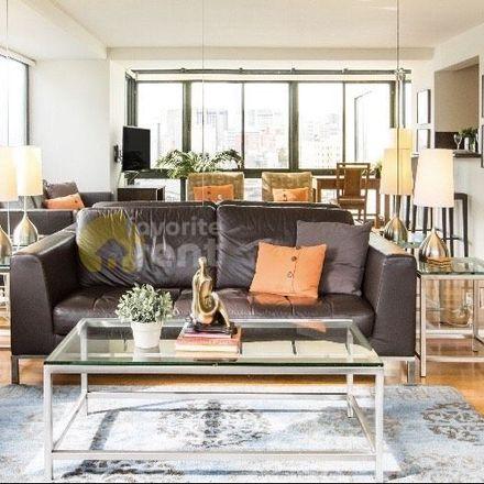 Rent this 1 bed apartment on FedEx Office in 1 Daniel Burnham Court, San Francisco