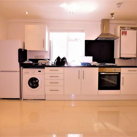 Rent this 2 bed apartment on Wood & Stone in 206 Brighton Road, London CR5 2NF